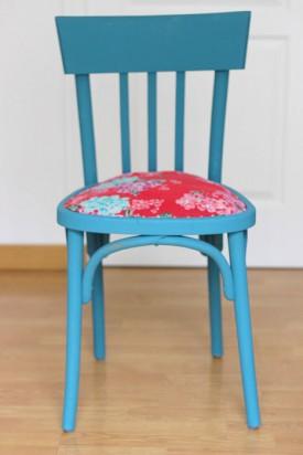 diy d co pour relooker une chaise en bois l 39 agenda de la. Black Bedroom Furniture Sets. Home Design Ideas