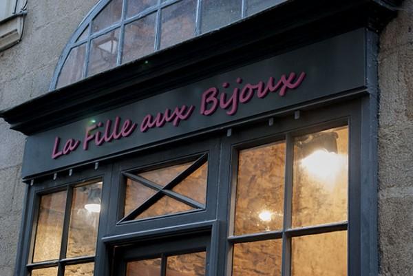 la-fille-aux-bijoux-facade