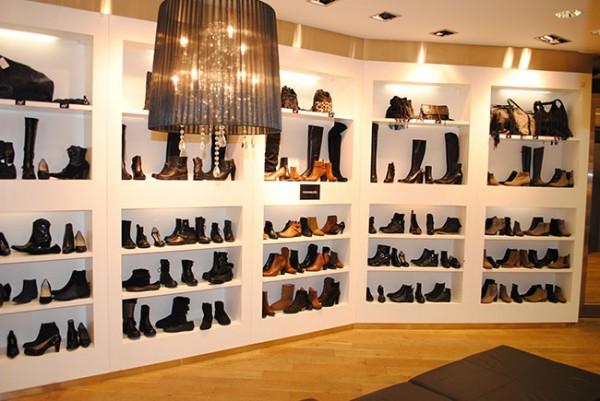 rentr e des chaussures rue d 39 orl ans. Black Bedroom Furniture Sets. Home Design Ideas